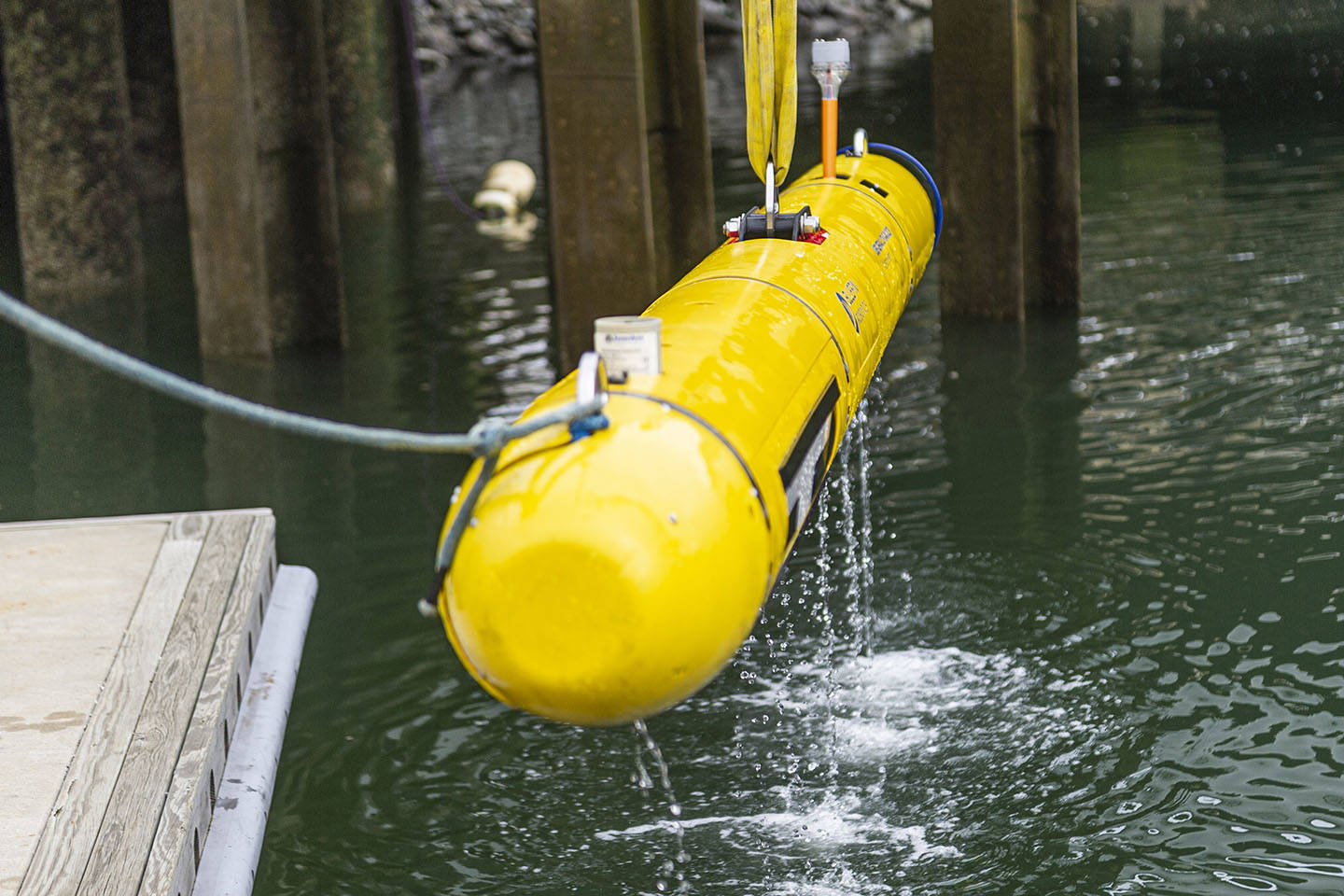 Redesigned Bluefin-12 UUV Being Recovered From Water 1