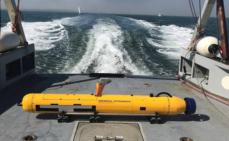 Bluefin-9 UUV On Large Vessel