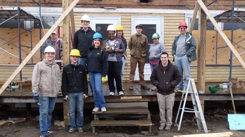 gd employees renovate a home for habitat for humanity